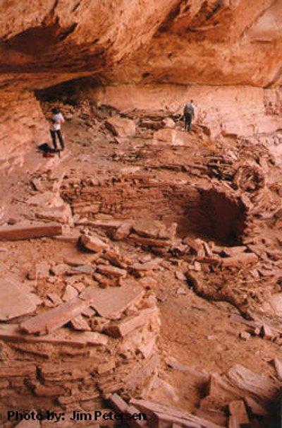 7 Kiva Ruin in Road Canyon on Cedar Mesa
